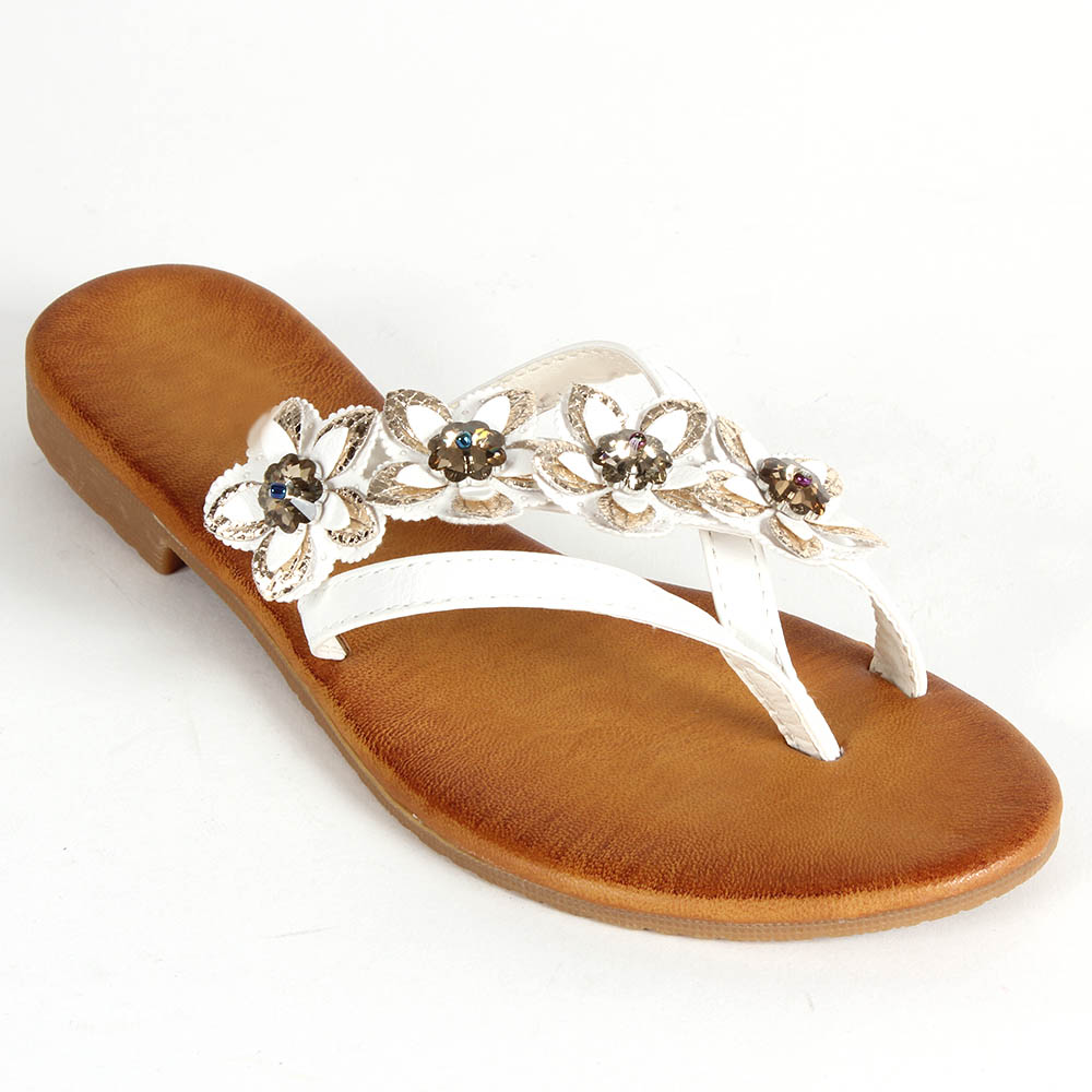 As with the ancient sandals, the flip-flop slippers were made with a variety of materials. Most modern slipper soles are made from rubber, foam, plastic, leather, suede, and even fabric. The straps are made from either polyurethane, rubber, or hemp.